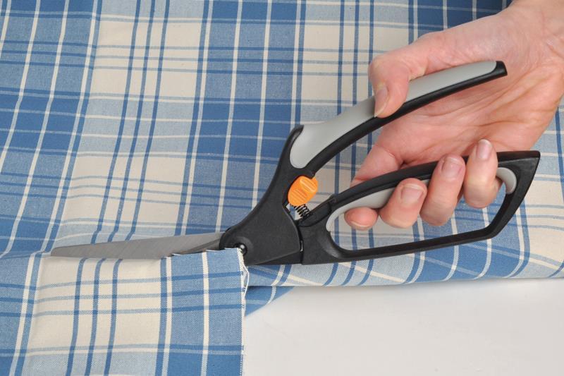 Fiskars Scissors: General Purpose: Easy Action Softgrip: 26cm/10.23in