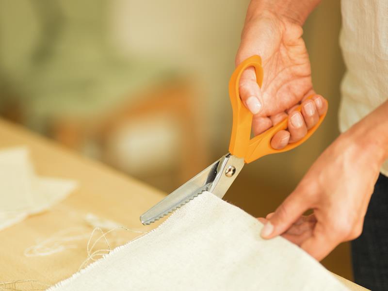 Fiskars Scissors: Pinking Shears: 23cm/9in